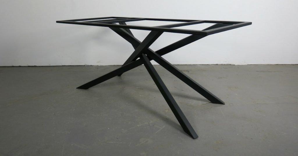 Tischgestelle Stahl - Modell Gratus Peham Holz